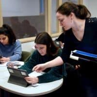 Kunnen onze jongeren kritisch denken? Overheid gaat het onderzoeken